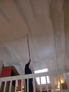 Aprende con tu amigo luis como pintar techos muy altos - Consejos para pintar techos ...