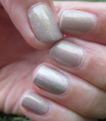 Essence 50 - Irreplaceable ו - KIKO 399