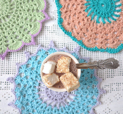 ByHaafner, vegan marshmallows, hot chocolate, pastel, doily, crochet