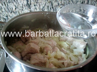 Mancare de castraveti murati cu carne preparare reteta