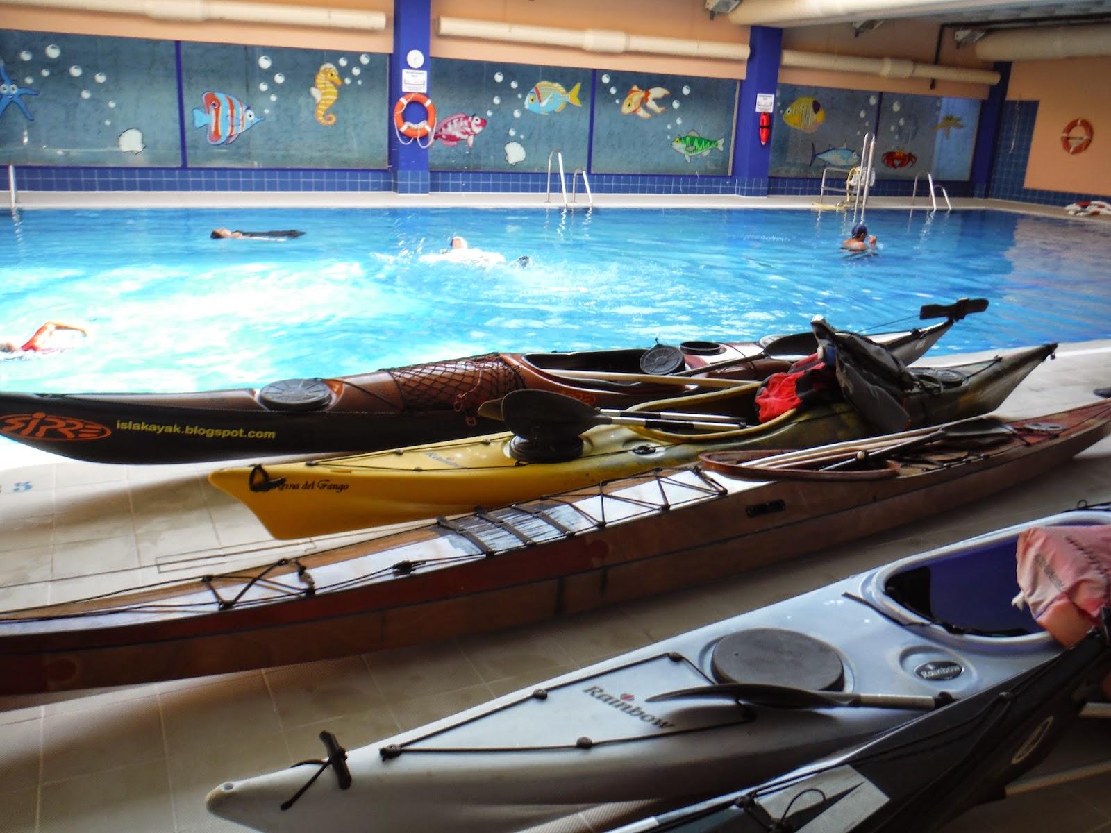 Sanfernandokayak curso de kayak en piscina 2014 for Piscina canoe