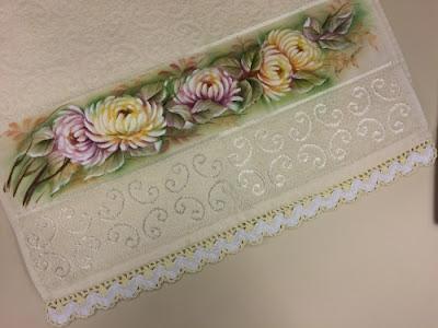 Pintura em tecido - rosas amarela e lilás