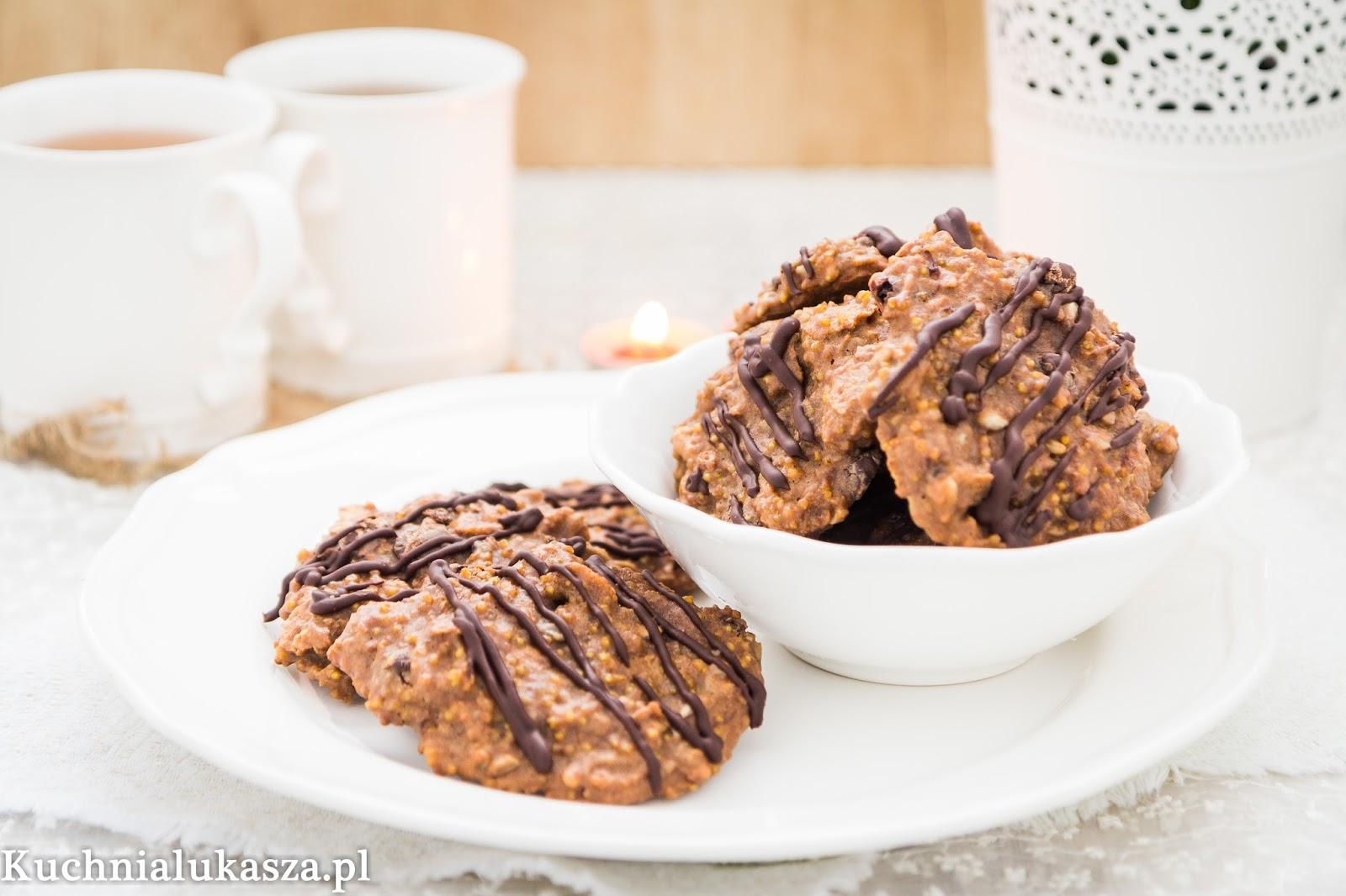Proste ciasteczka jaglane z czekoladą