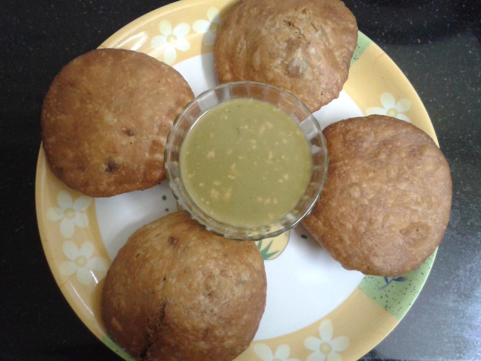 Khasta Kachodi Recipe - Kachori Recipe - खस्ता कचौड़ियाँ