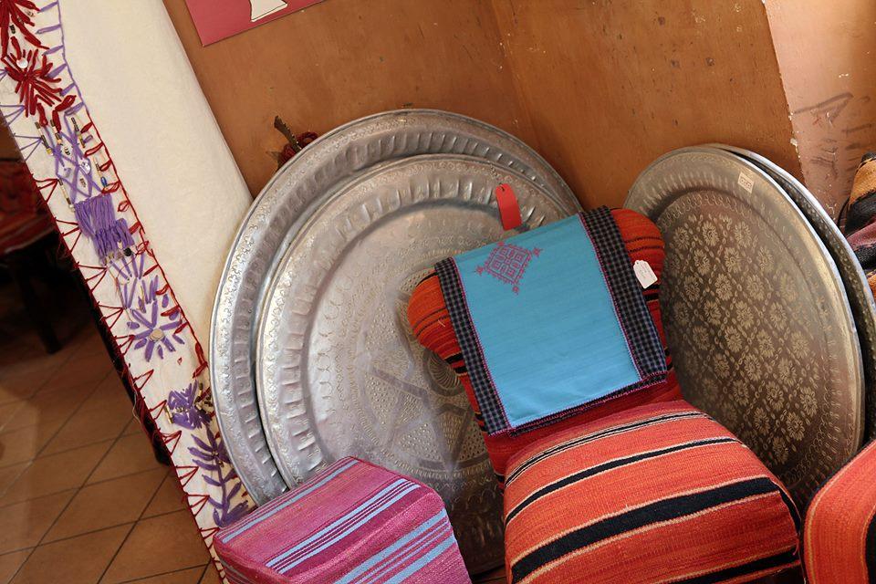 Un giro all 39 hafa caf for Arredi marocchini