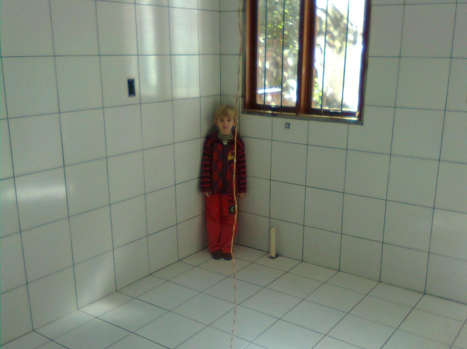 : Revestimento da cozinha área de serviço e banheiro quase pronto #623023 1488x1112 Banheiro Azulejo Metade