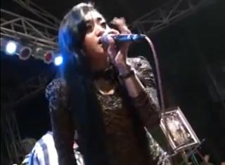 Download Video Dangdut Sonata Deviana Safara - Oplosan 3gp