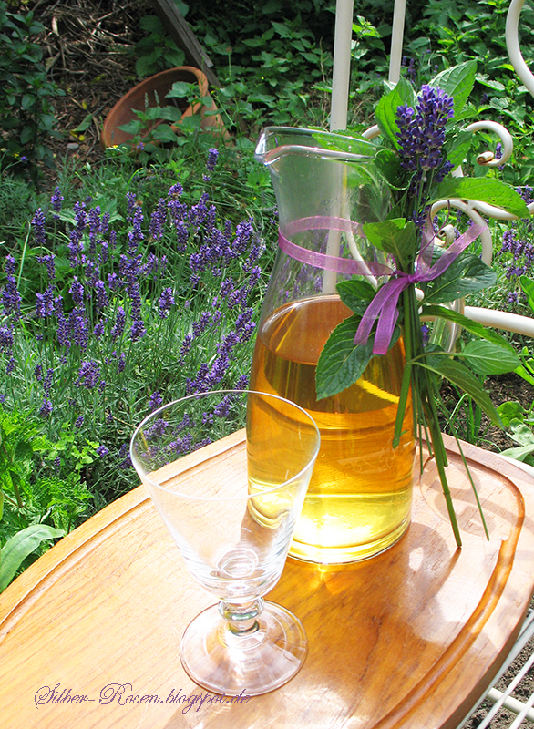 silber der lavendel bl ht lavender is blooming. Black Bedroom Furniture Sets. Home Design Ideas