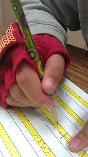 escrita,alfabetprendedor de roupa,atividades de coordenação motora fina, atividades de coordenação motora, coordenação motora fina, coordenação motora,educação infantil, anos iniciaisização,