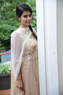 Sharmila Mandre pos at Kevvu keka SM 013.jpg
