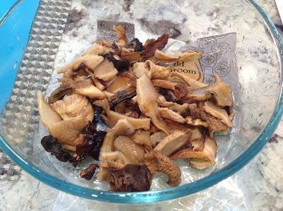Dehydrated mushrooms