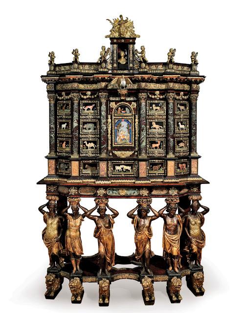 Domeniko Kučči (Domenico Cucci, apm.1635-1704). Franču mēbeļnieks, bronzas meistars un kokgriezējs, dzimis Todi, Itālijā