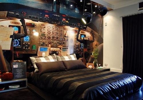 Un dormitorio temático juvenil que simula a la perfección la cabina