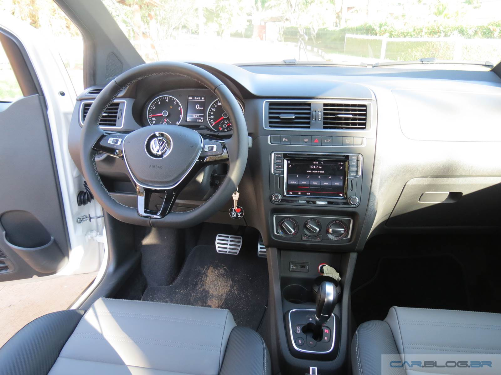 VW CrossFox 2016 I-Motion - interior