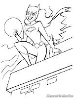 Batgirl Tersenyum Kepada Batman Dari Atap Gedung Pencakar Langit
