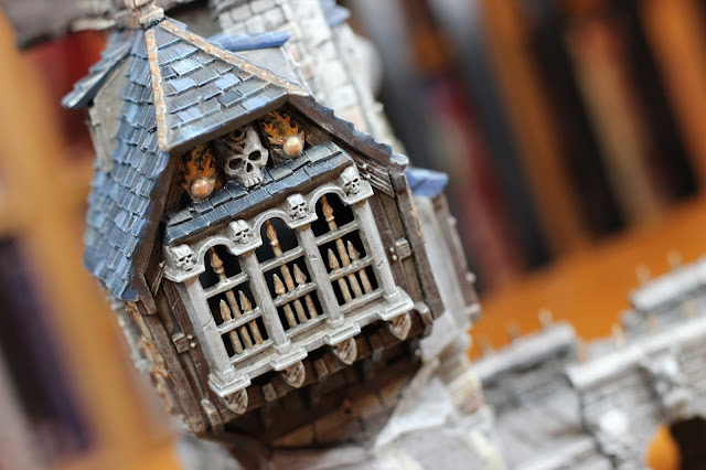 Skullvane Manse - side window with Typhus Corrosion