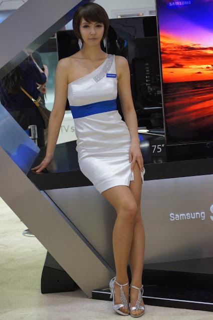 2 Kang Yui -  World IT Show 2012-very cute asian girl-girlcute4u.blogspot.com