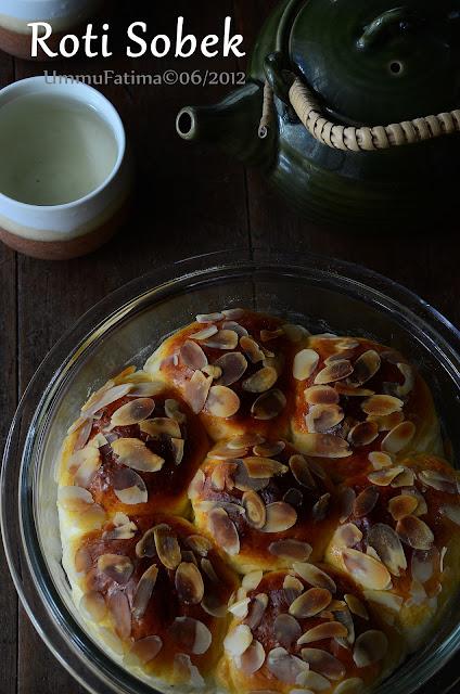 roti sobek tabur almond