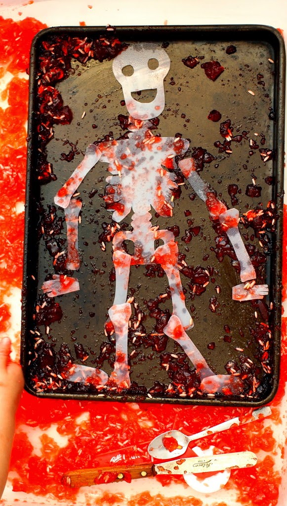 "Fun Halloween Sensory Activity- Dig out ""bones"" from jello!"