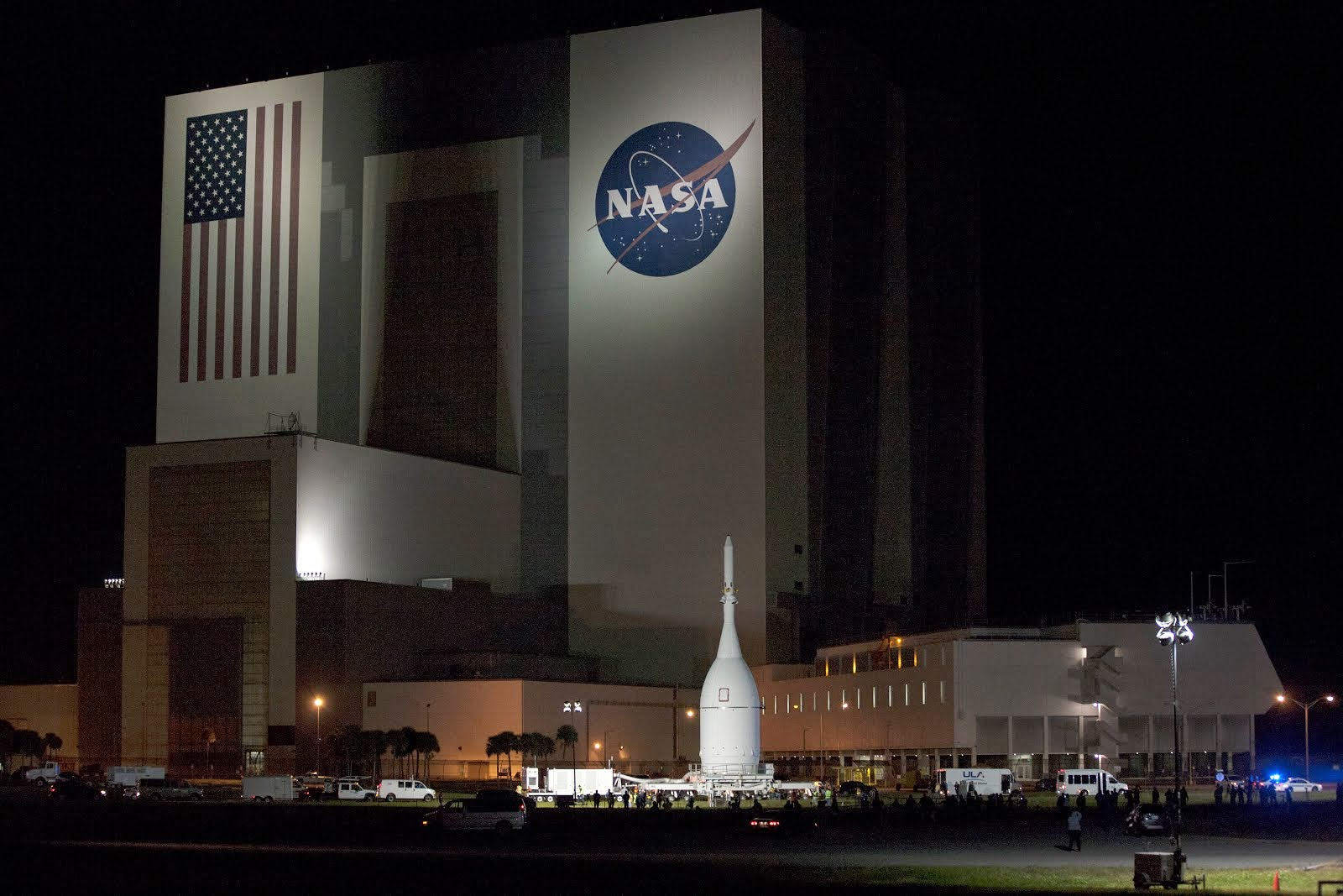 ORION PASSES SPACEPORT VEHICLE ASSEMBLY BUILDING