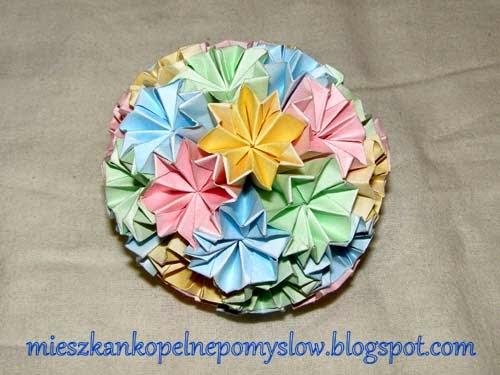 http://mieszkankopelnepomyslow.blogspot.com/2014/12/moje-nowa-kula-kusudama.html