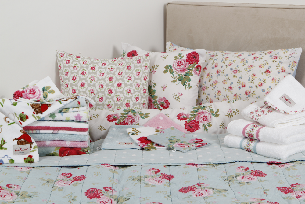 Keeping britain shabby cath kidston that lisa clare for Cath kidston style bedroom ideas
