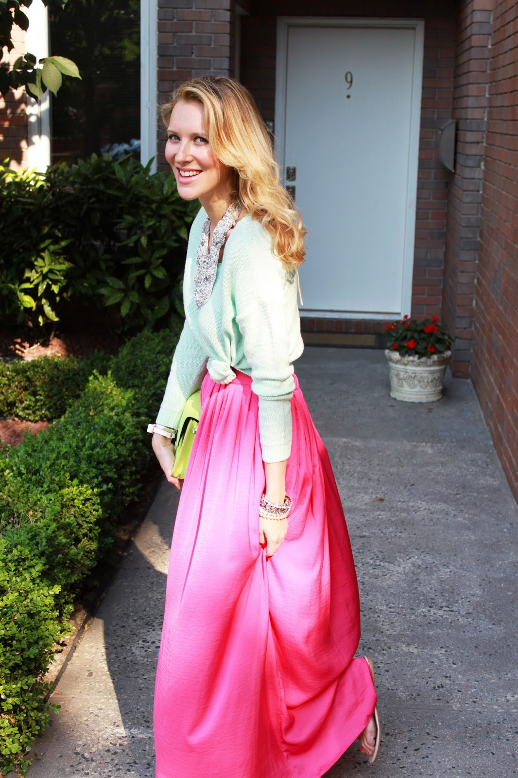 pic5-bcbg-pink-maxi-skirt-zara-studded-sandals-statement-necklace-mint-sweater