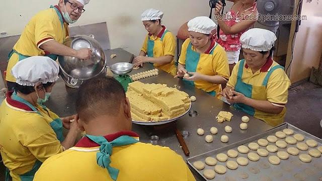 tong huat confectionery production kuih kacang masin tao sar pneah