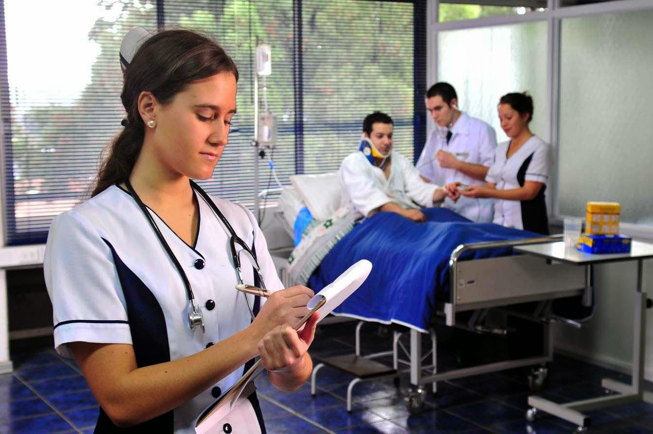 Las enfermeras del turno de noche - 2 8