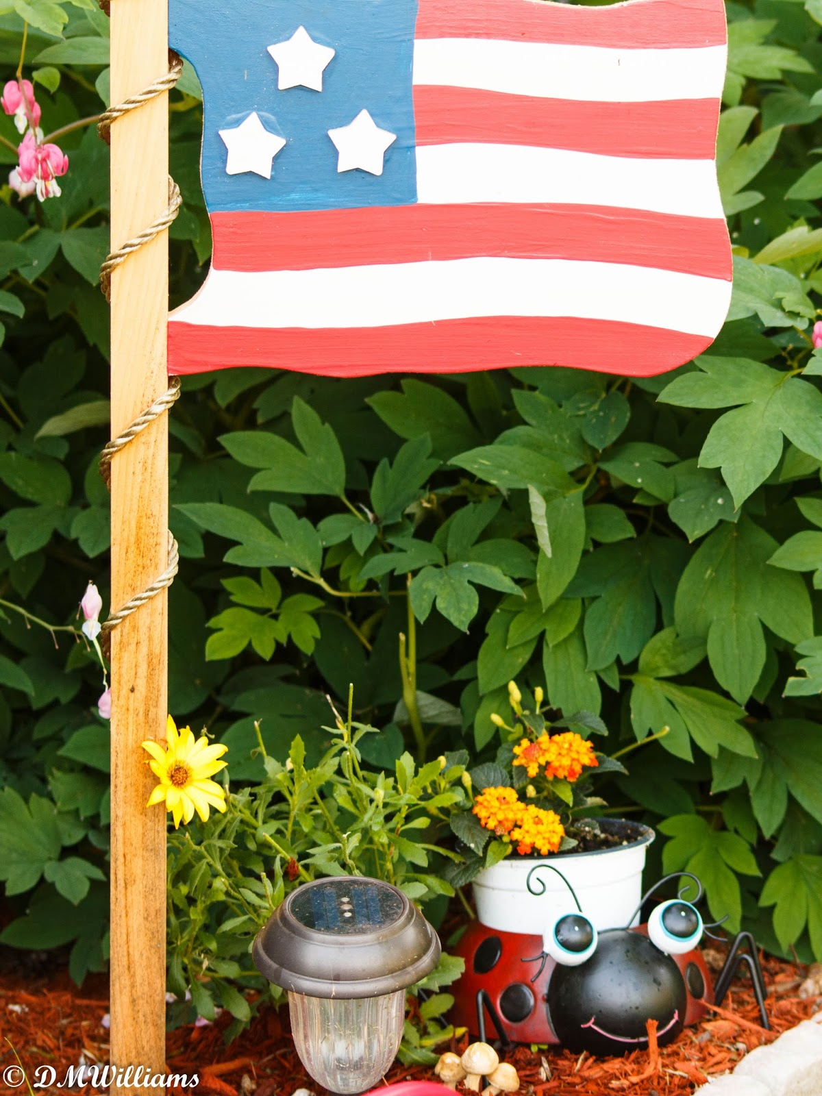 garden flag, stars and stripes