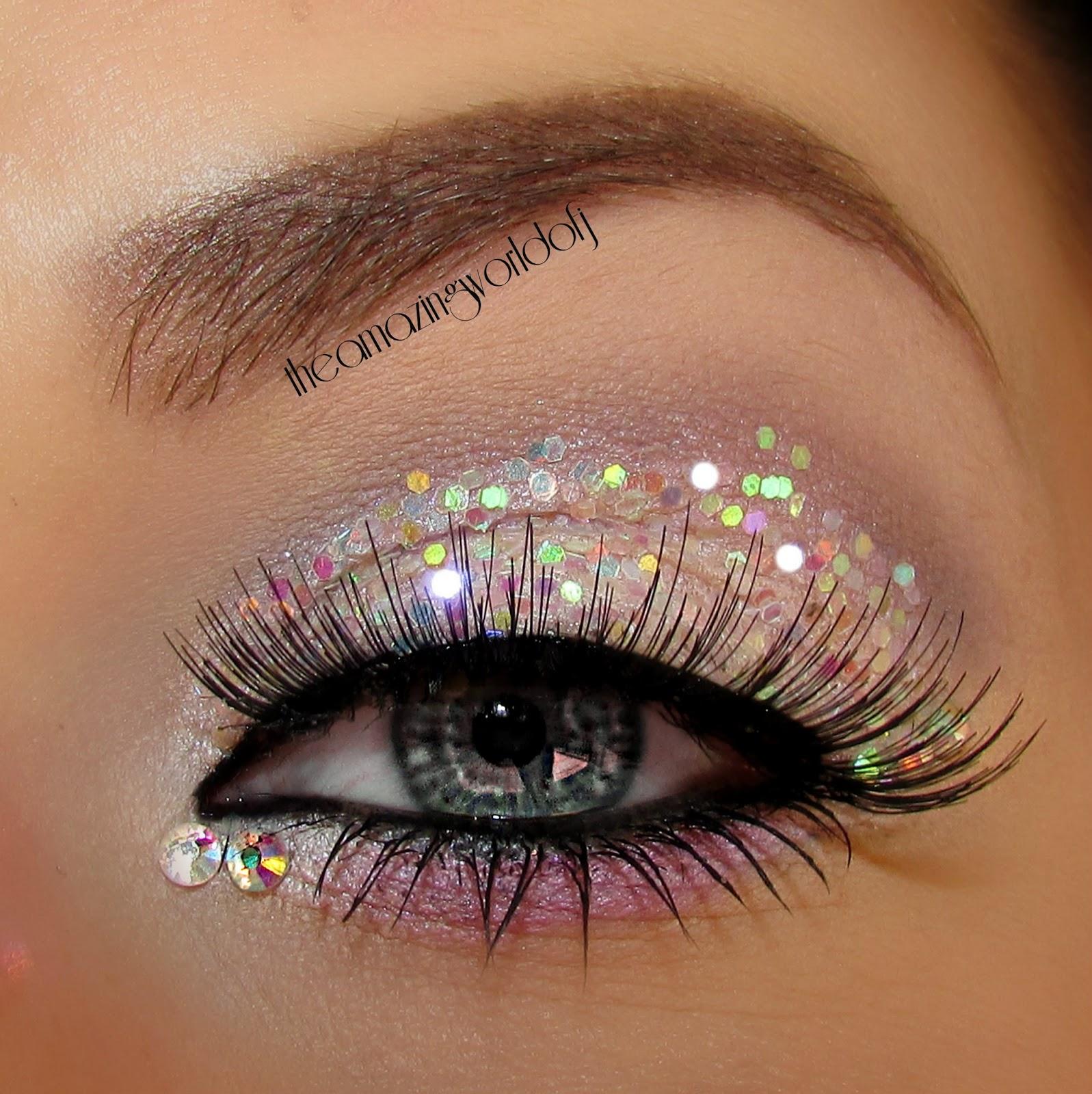 Фото макияжа с блестками стразами