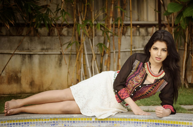 Actress Iswarya Menon Latest Pictureshoot Gallery 6.JPG