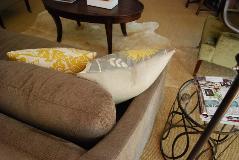 interior design musings: Yellow Accent Pillows