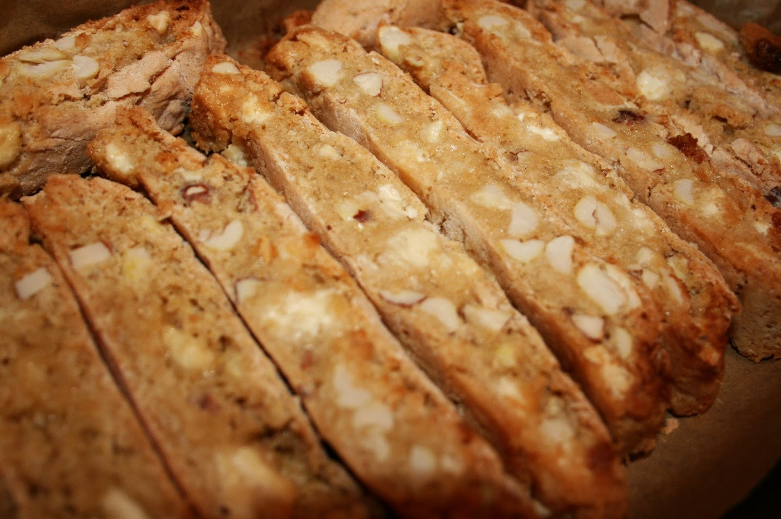 HARLEY WOOD: RECIPE | WHITE CHOCOLATE AND PEANUT BISCOTTI