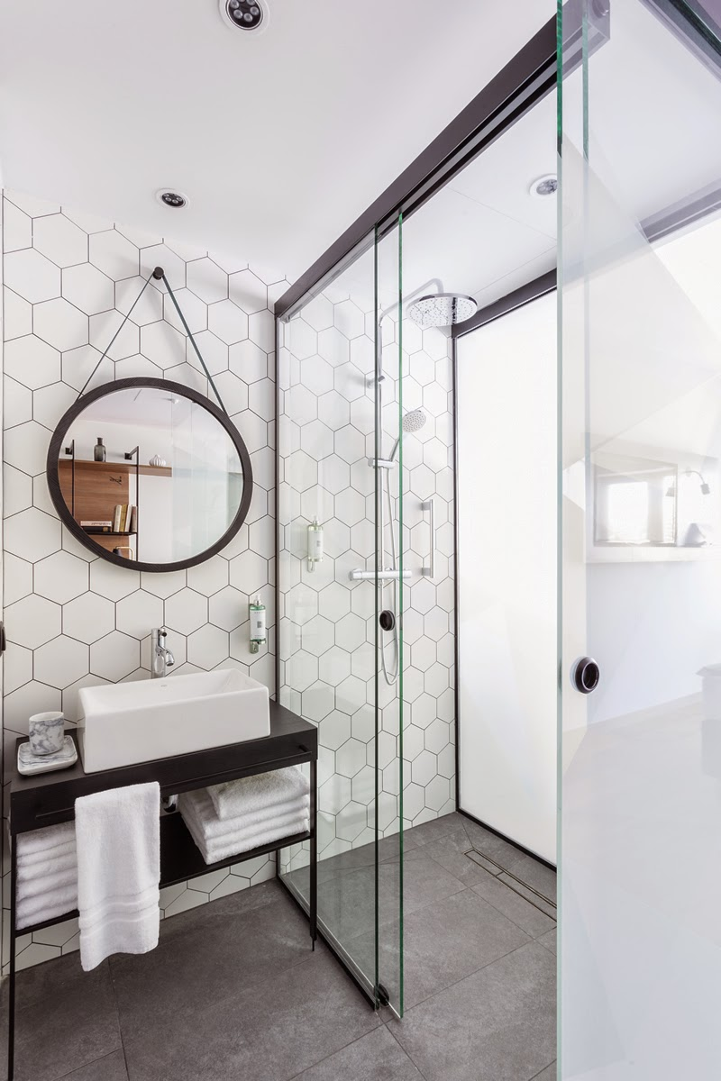 Tendance un miroir rond dans ma salle de bain