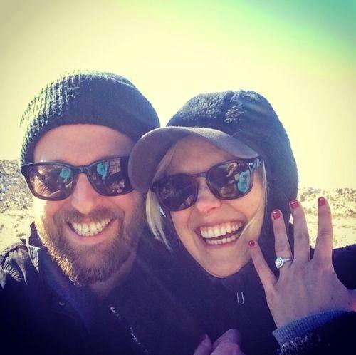 Soon actor couple | Joshua Leonard & Alison Pill got engaged!