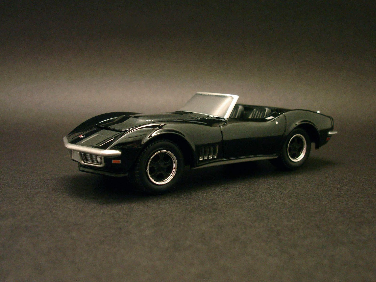 Diecast Hobbist 1968 Chevrolet Corvette Convertible Crew Cab 164 Scale From Greenlight Black Bandit Toysrus Exclusive Edition