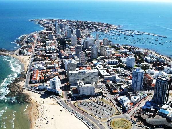 Urugvaj - Page 3 Punta+del+Este+en+Uruguay