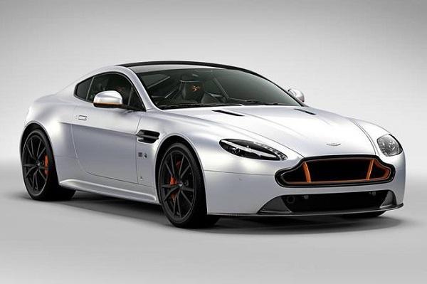 Aston Martin presentó el V8 Vantage S Blades Edition