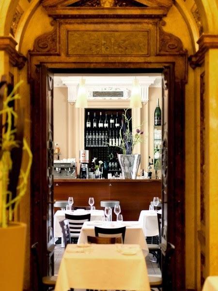 Tafeln Im Burgtheater Vestibül Ein Beeindruckendes Restaurant