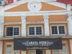 Hotel Murah Dekat Pasar Baru Bandung - Araya Huis Homestay