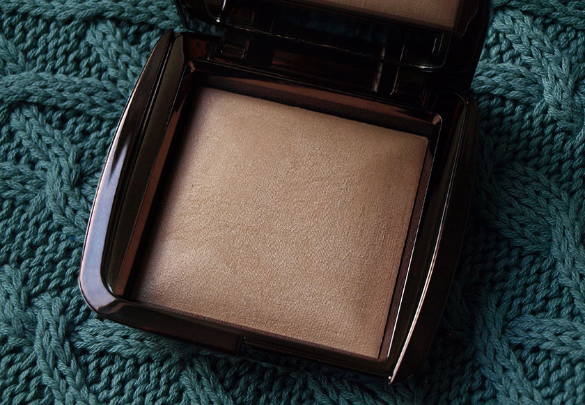 Hourglass Ambient Lighting Powder Review (Luminous Light)