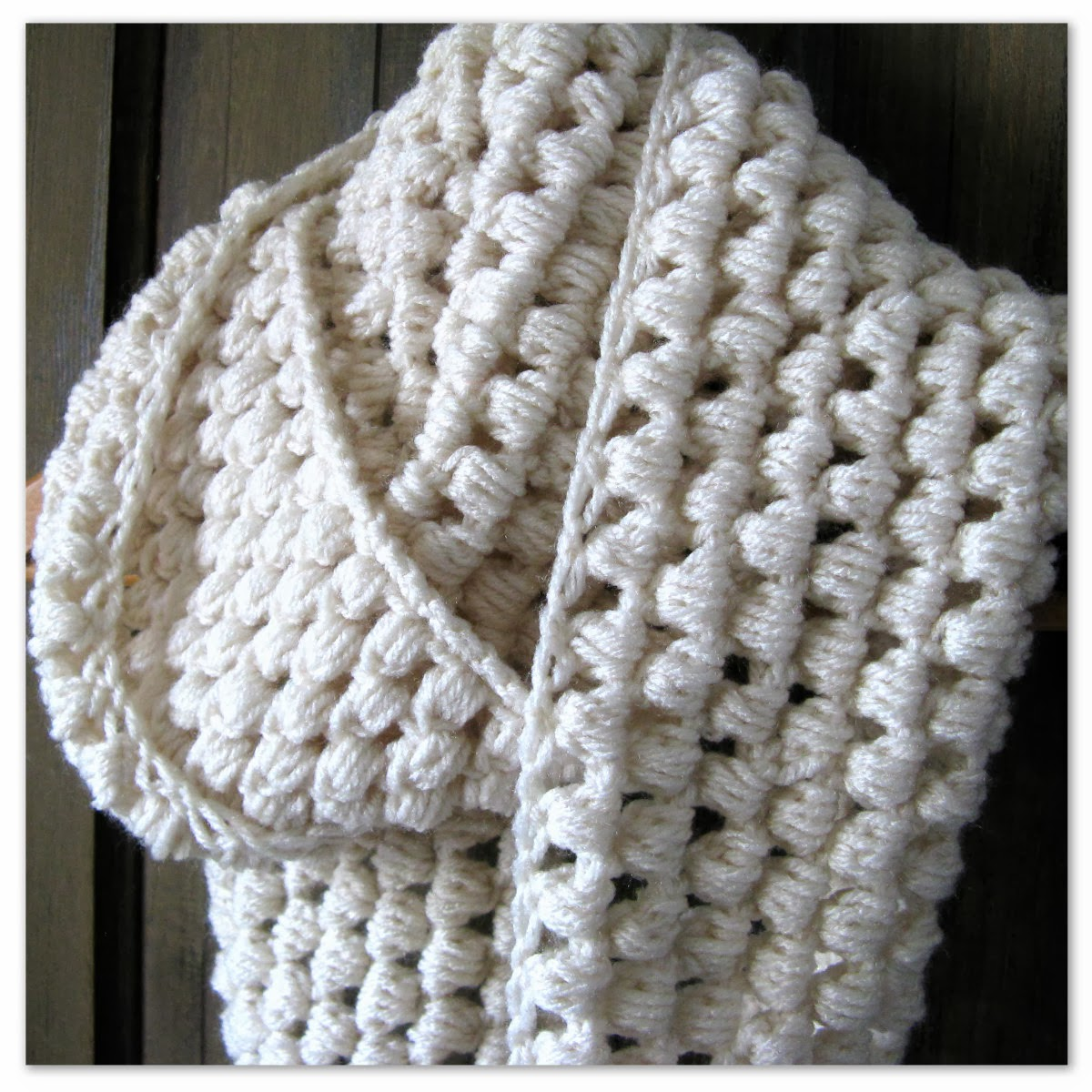 Crochet Stitches For Scarf : Happy as a Lark: Crocheting a Puff Stitch Infinity Scarf