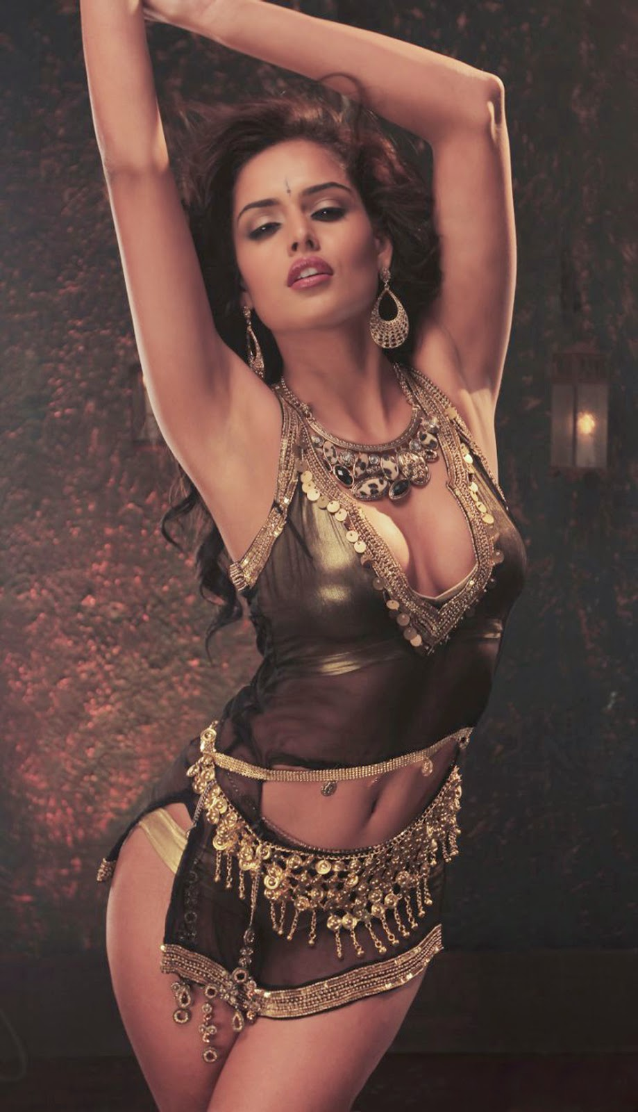 Nathalia Kaur hot images