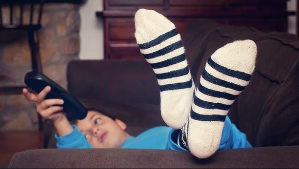 Anak kaki TV Bagaimana mendisiplinkan mereka