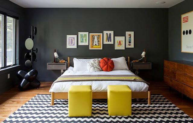 Schlafzimmer - gerne übersehener Raum in der Einrichtung: mit dunkler Wandfarbe unterschiedliche Möbel zu einer Einheit formen