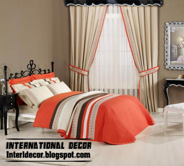 Beige Sets Of Curtains And Duvet Cover For Kids Room