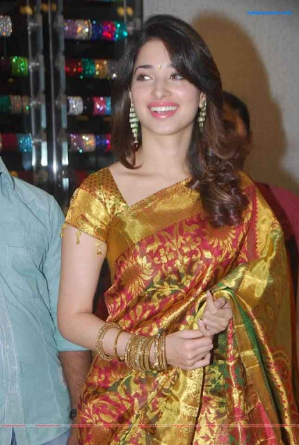 Tamil Actress Tamanna Hot  Photo