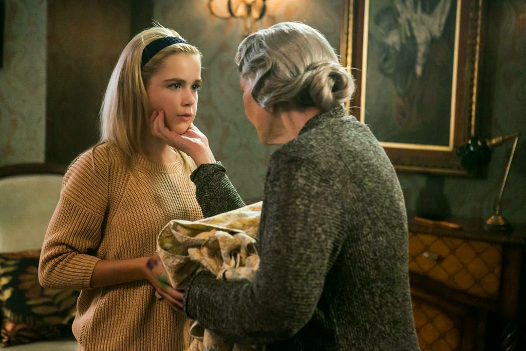flowers in the attic 2014 kiernan shipka ellen burstyn