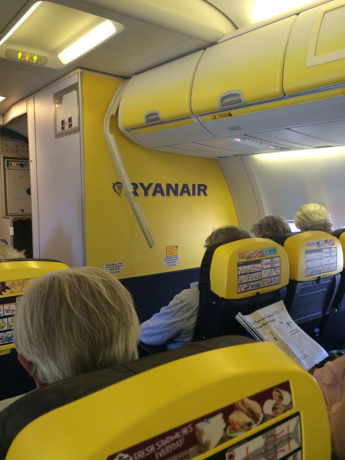 Lovelyliving juillet 2015 for Interieur avion ryanair